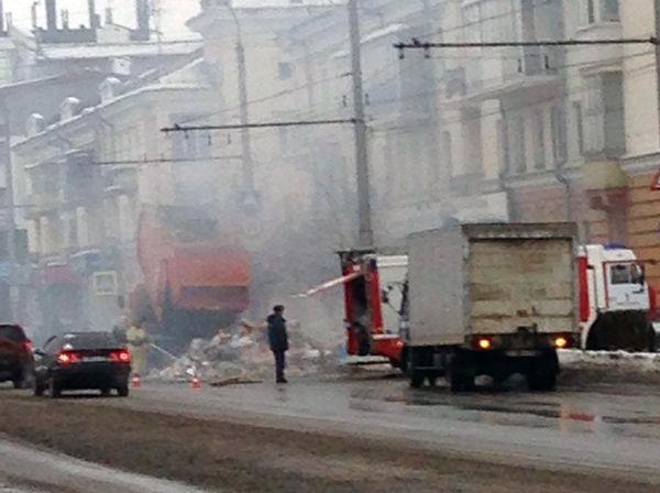 ПоНовокузнецку ездил горящий мусоровоз