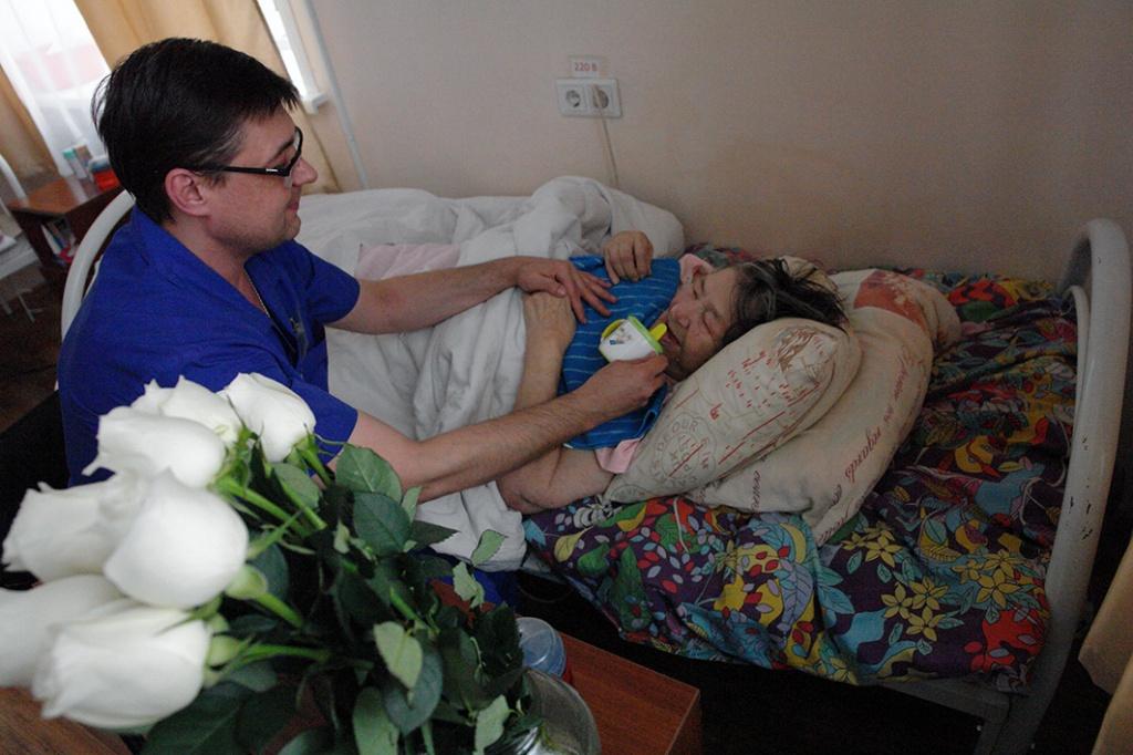 Оформить инвалидность после перелома шейки бедра
