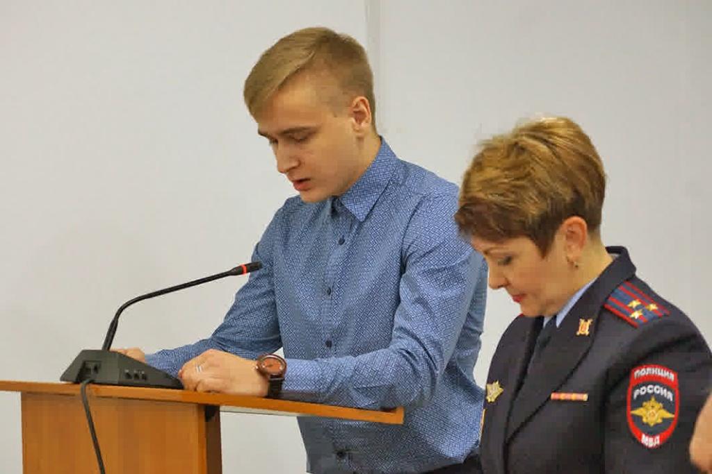 Ради паспорта. 22 гражданина Российской Федерации поклялись вверности стране